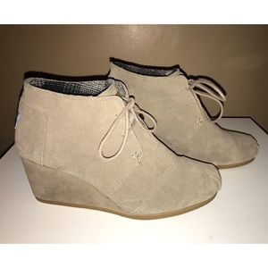Toms Suede Booties, like new